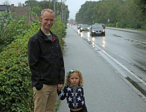 Børnefamilie glæder sig til at få støjskærm, som også sikrer Maja mod den massive trafik