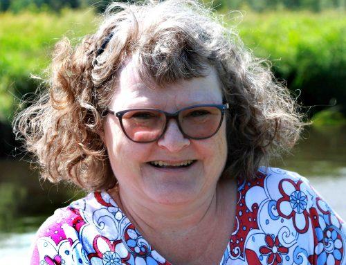 Karen Skak Søndergaard er en af de flittigste til at skrive kommentarer på Facebook – men hvem er Karen i grunden?